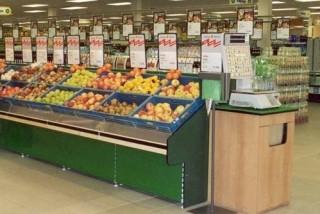 Prodejní regály na ovoce a zeleninu